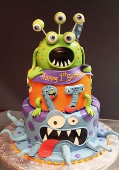 Thirteen awesome monster birthday cake designs, including impressive designs by professionals and a handful that novice bakers can totally pull off. Great inspiration for your little one's monster birthday party. Monster Birthday Cakes, Monster Birthday Parties, Monster Party, Monster Cakes, Alien Cake, Gateaux Cake, Halloween Cakes, Happy Halloween, Cakes For Boys