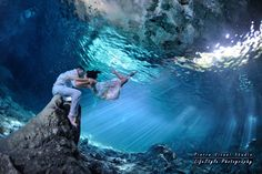 Magic Mexican landscapes  #TrashTheDress #Cenote #underwaterphotography