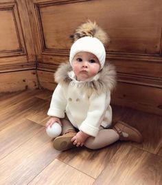 mom to be info are readily available on our internet site. - The most beautiful children's fashion products Fashion Kids, Kids Winter Fashion, Baby Girl Fashion, Toddler Fashion, Fashion Outfits, Fashion Design, Baby Girl Winter, Cute Baby Girl, Baby Love