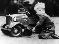 Michael Ware repairing a pedal car. Michael Ware became the director of the National Motor Museum Trust. Get premium, high resolution news photos at Getty Images Vintage Photographs, Vintage Photos, Vintage Cars, Antique Cars, Kids Ride On, Pedal Cars, Vintage Children, Old Cars, Cars And Motorcycles