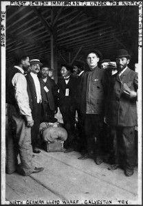 Jewish_Immigrants_1907. Mine came over in 1913
