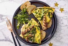 Een heerlijke variatie op de gewone omelet. - Recept - Allerhande Omelet Recept, Quiche, Brunch, Snacks, Breakfast, Recipes, Morning Coffee, Appetizers, Quiches