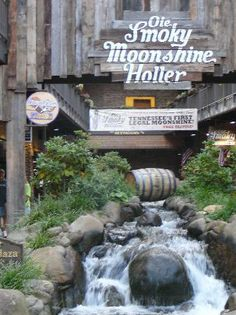 Ole Smoky Moonshine Distillery - Gatlinburg, TN ✓