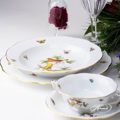 Place Setting Five Piece- Herend Rothschild Bird ROdesign. Herend fine china Dinner Sets, Place Settings, Dinner Plates, Fine China, Wedding Gifts, Porcelain, Bird, Fruit, Places
