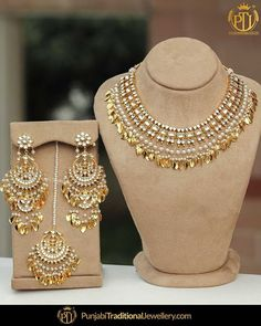 Indian Jewelry Earrings, Indian Jewelry Sets, Jewelry Design Earrings, Indian Wedding Jewelry, Gold Earrings Designs, Gold Jewellery Design, Necklace Designs, Fancy Jewellery, Handmade Jewellery