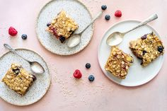 Barres au quinoa, banane et petits fruits Cereal, Oatmeal, Bakery, Brunch, Yummy Food, Sweets, Breakfast, Healthy, Recipes