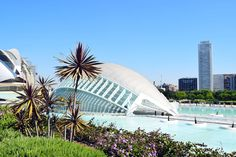 VALENCIA: bezienswaardigheden die je niet mag missen Great Buildings And Structures, Modern Buildings, Modern Architecture, Countries Around The World, Around The Worlds, Moraira, Alicante Spain, Spain And Portugal, Spain Travel