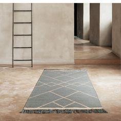 Kolekcja dywanów z galerii duńskiego producenta Linie Design oferuje produkty o zróżnicowanym