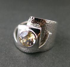 sculptural ring by llyn strong, www.llynstrong.com