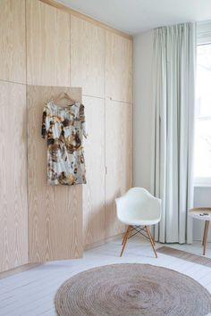 MATERIAAL HOUT INBOUWKAST: PLYWOOD BUILT-IN WARDROBE