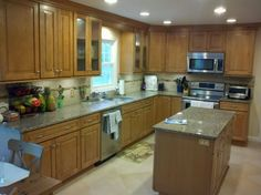 Maple kitchen cabinets in the Cambridge Door Style from CliqStudios.     http://www.cliqstudios.com