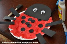Ladybug Paper Plate {Kid Craft} - Glued To My Crafts