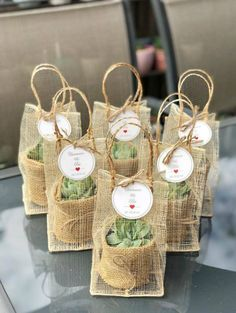 How to pick meaningful and cheap wedding favors---rustic succulent wedding favor. How to pick meaningful and cheap wedding favors---rustic succulent wedding favors diy templates Always aspired to learn . Wedding Favors And Gifts, Succulent Wedding Favors, Creative Wedding Favors, Inexpensive Wedding Favors, Elegant Wedding Favors, Cute Wedding Ideas, Rustic Wedding Centerpieces, Wedding Decorations, Craft Wedding