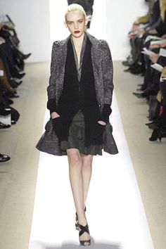 See the complete Peter Som Fall 2007 Ready-to-Wear collection.