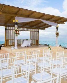 Royalton White Sands Luxury Resort, Jamaica does a wedding ceremony right!