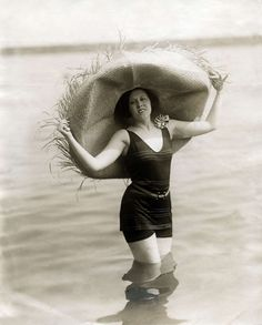 A hat in the water 1920s