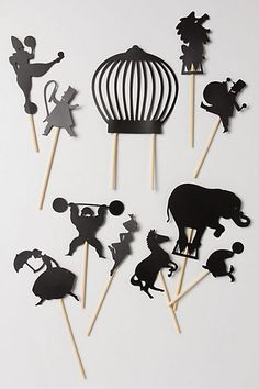 Getting DIY inspired by the Midnight Circus Shadow Puppets from Anthropologie. Paper Puppets, Paper Toys, Paper Crafts, Cardboard Toys, Diy For Kids, Crafts For Kids, Diy Cadeau Noel, Shadow Theatre, Puppet Show