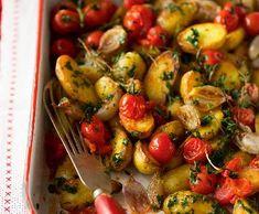 Recept: Brambory s pečenou cibulí a cherry rajčátky Carb Cycling, Banana Snacks, Diet Chart, Gluten Free Diet, Healthy Habits, Meat Recipes, Potato Salad, Easy, Risotto