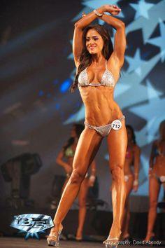 Female Form #StrongIsBeautiful #Motivation #WomenLift2 Brittany Coutu