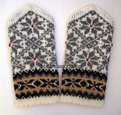 Hand knitted wool mittens. Gray star ornament от mittenssocksshop, $30.00