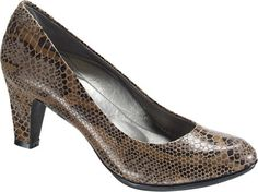 Aetrex Essence™ Zoe Classic Pump - Snake Textured Leather with FREE Shipping & Returns. Essence™ by Aetrex offers an uncompromised merger of fashion, comfort and customization. The