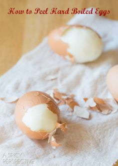 Grip Easter tips from @Sommer | A Spicy Perspective on how to peel hard boiled eggs - the easy way!