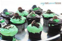 Easy DIY Halloween Cupcakes