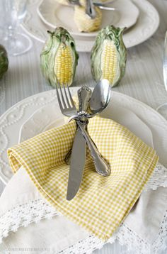 tablesetting.quenalbertini2: Summer Table in a Cornfield | HIWTBI