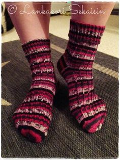 Kerrosrivinoususukat Womens Wool Socks, Fashion, Moda, Fashion Styles, Fashion Illustrations