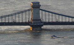 #Chainbridge #flood2013 Brooklyn Bridge, Golden Gate Bridge, Hungary, Budapest, Travel, Nice Asses, Viajes, Destinations, Traveling
