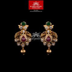 Mesmerizing collection of gold earrings from Kameswari Jewellers. Shop for designer gold earrings, traditional diamond earrings and bridal earrings collections online. Indian Jewelry Earrings, Buy Earrings, Jewelry Design Earrings, Gold Jhumka Earrings, Gold Earrings Designs, Earrings Online, Gold Jewellery, Earings Gold, Square Earrings
