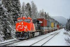 Net Photo: CN 3111 Canadian National Railway GE at Decoigne, Alberta, Canada by Tim Stevens Canadian National Railway, Train Pictures, Alaska Travel, Locomotive, Scenery, Alberta Canada, World, Planes, Diesel