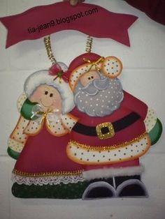 PAPA NOEL Y SRA NOEL EN FOMY( con moldes ) | MARIA ELISA JUAREZ Christmas Decorations, Christmas Ornaments, Holiday Decor, Wooden Ornaments, Ceramic Decor, Unicorn Birthday, Paper Piecing, Scrapbook Paper, Diy And Crafts