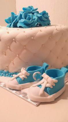 Fondant baby converse shoes