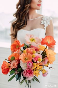 Fresh Wedding Flowers - Have You Ordered These Nine Arrangements For Your Wedding Day? Wedding Flower Arrangements, Wedding Bouquets, Floral Wedding, Wedding Colors, Spring Wedding, Dream Wedding, Wedding Officiant, Bridal Flowers, Orange Wedding Flowers