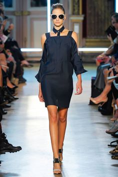 Roland Mouret Spring 2013 RTW Collection #PFW