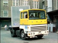 Ford Semi trailer and tractor unit used in the episode 'Nightmare.' This was a brand new vehicle supplied for filming by Ford, it was good advertising for the company. Big Rig Trucks, Semi Trucks, The Sweeney, Old Lorries, Semi Trailer, Classic Trucks, Rigs, Tractors, Police