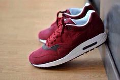 Get these shoes on @Emilio Foster or see more #shoes #nike #nike_air #air_max