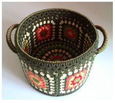 43 Best Ideas For Crochet Summer Decoration Granny Squares Diy Crochet Basket, Crochet Bowl, Quick Crochet, Crochet Gifts, Crochet Summer, Crochet Leaves, Crochet Doilies, Crochet Designs, Crochet Patterns