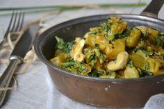 Le chou kale est de retour sur le blog ! Souvenez-vous, je vous proposais il y a deux semaines une premi�re recette de salade de kale cru et courge butternut r�tie et vous pr�sentais The Kale Project , initiative entreprise par Kristen pour r�introduire...