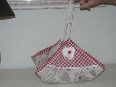 le sac à tarte ou à gateau, matelassé et sa pochette de rangement : Accessoires de maison par danetgeo