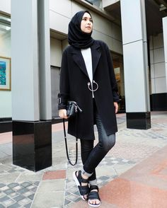"""2,668 Likes, 14 Comments - Rani Hatta (@ranihatta) on Instagram: """"Never go wrong with black outer from @hattaco_official"""""""