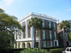 Charleston, South Carolina Jewel of the south Carolina Usa, Charleston South Carolina, Abandoned Houses, Old Houses, Antebellum Homes, Charleston Homes, Plantation Homes, Vacation Destinations, Vacations
