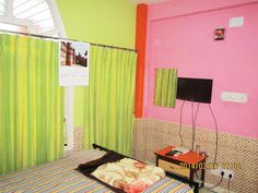 One of our deluxe rooms - WELCOME INN - KOLKATA. Visit http://www.himalayainn.in/kolkata2_intro.php #guesthouse #kolkata