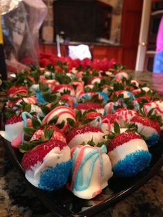 Fourth of July chocolate covered strawberries