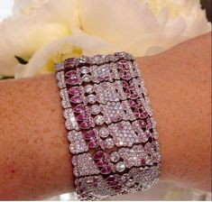 Tiffany &Co pink , and white Diamond bracelet. 80s Jewelry, Lotus Jewelry, High Jewelry, Modern Jewelry, Jewelry Box, Jewellery, Gemstone Bracelets, Jewelry Bracelets, Tiffany Jewelry