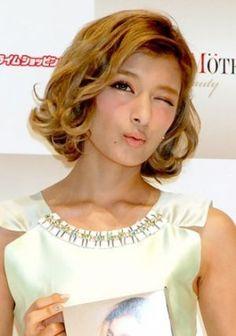 ボブもとってもよく似合う♡なりたいセレブNo1!ローラの髪型参考一覧まとめです♡