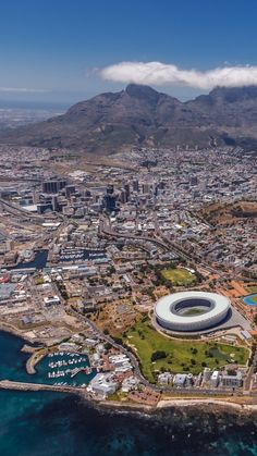 South Africa Travel: Essential Facts and Tips for Your Vacation You have to see these local's favourites when visiting Cape Town… Places Around The World, Travel Around The World, Around The Worlds, Places To Travel, Places To See, South Afrika, Africa Destinations, Most Beautiful Cities, Wonderful Places