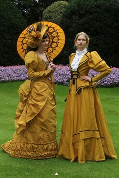 Golden Girls (Belle Epoque fashion which influenced victorian fashion) in yellow gold.  - For costume tutorials, clothing guide, fashion inspiration photo gallery, calendar of Steampunk events, & more, visit SteampunkFashionGuide.com