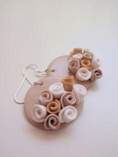 Orecchini con rose beige
